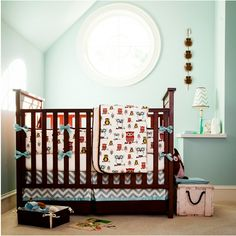 Love the colors of this baby room.  Oh, and the owls too :)