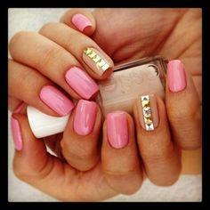 nude nails, gold nails, pink nails, nail designs, ring finger