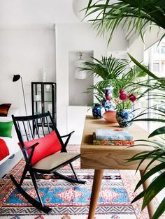 Love the colors and use of plants.