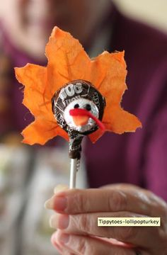 """dizzymaiden: """" http://tippytoesandtantrums.typepad.com/diatribes/2010/11/thanksgiving-crafts-for-seniors.html OK ….Nov is almost here and it is time to think about Thanksgiving crafts and DIY..."""