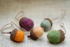 felted acorns tutorial