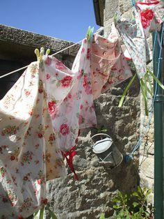 ... pretty washing on the line.jx