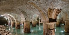 This breathtaking pool of glistening turquoise water under creamy ecclesiastical stone vaulting is the underground water reservoir tank of Mountsouris, a hidden treasure in the south of the Paris. Sitting undisturbed beneath the feet of unknowing Parisians, the original entrance is unfortunately closed to the public.
