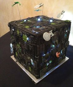 StarTrek Wedding Cake, Very funny geek, birthday parti, stars, weddings, cubes, wedding cakes, startrek, borg cube, star trek