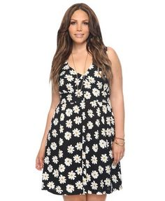 Daisy print plus size dress. Up to 3X. $24.50 fashion, daisi cutout, cloth, dresses, daisies, daisi print, dress 2480, dress today, forever21