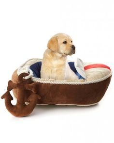 Have your pet nap like a captain in this plush #nautical boat bed complete with a fun anchor toy! #MarthaStewartPets #PetSmart #petcare