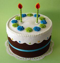 cupcakes, birthdays, candles, cake icing, felt craft, felt cake, felt food, play food, birthday cakes