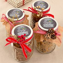 Giving baked goods, candy or wine as gifts? Add trendy chalkboard labels to your cans and bottles!