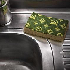 Um yes. LV washing up sponge. product, louisvuitton, louis vuitton, stuff, funni, kitchen, loui vuitton, lv spong, thing