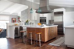 Niche Interiors A 1960s ranch house was given a fresh update while maintaining its original, casual vibe. An outdated kitchen with an awkward layout was transformed into a bright, modern space with ample room for cooking and entertaining.