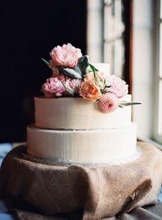 Love this rustic #weddingcake. Photo by Ryan Ray Photography. www.wedsociety.com #wedding #cake