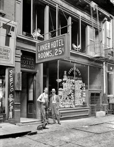 Lanier Hotel -- Rooms 25 cents.