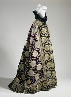 Charles Frédéric Worth: Evening cape of la Comtesse Greffulhe, c.1895