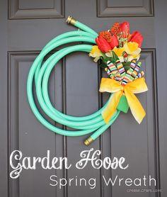 hose wreath, idea, craft, front door, garden hose