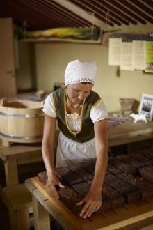Estonian Black Bread Recipe (Vegan)