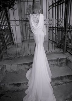 Wedding gown / yaki ravid