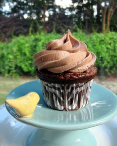 Nutella Cupcakes with Nutella Buttercream | Plain Chicken
