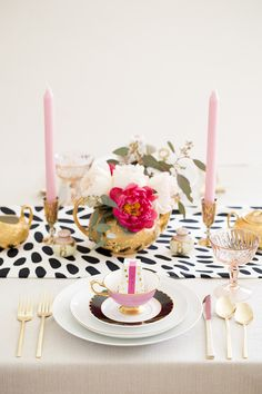 Spotted table runner | Photo by Scott Clark | 100 Layer Cake