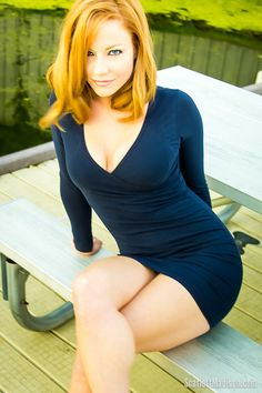 redhead beauti, supersexi scarlett, sexi cross, check, ginger, cross leg, dress, sexi women, scarlett madison