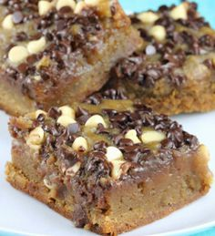 The classic chocolate chip cookies recipe gets a slow cooker makeover with this Perfectly Rich Chocolate Chip Cookie Bars recipe. Easy cookie bar recipes like this one make baking the perfect sweet treat a breeze.