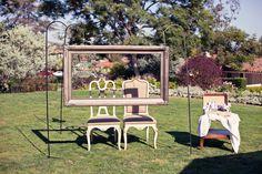 vintage photos, wedding ideas, flea market, outdoor photos, vintage frames, wedding photos, photo booths, hanging frames, parti