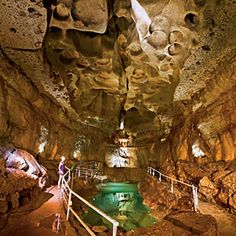 Cascade Caverns in t