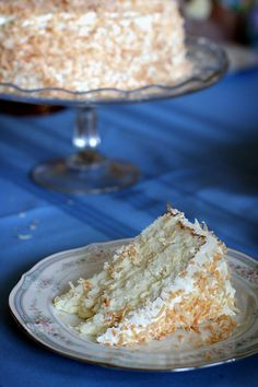 Toasted Coconut Cake with Coconut Filling