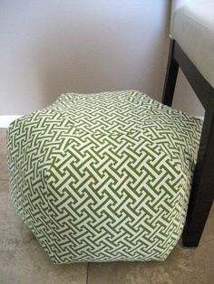 I want a pouf! @B R O O K E // W I L L I A M S Bowen lets make it with our african fabrics :)