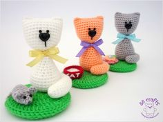 Amigurumi Cat - Free Russian Pattern http://88crafts.blogspot.ru/2013/10/kitten-at-glade.html