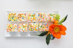 Marshmallow with sprinkles | Photo by Christine Farah Photography | Read more - http://www.100layercake.com/blog/?p=76795 #party #dessert #modern