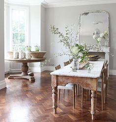 Ambiance Campagne chic. Wood herringbone floors.
