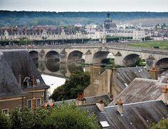 ¿Te apetece conocer el Loira desde el aire? http://www.elle.es/viajes/viajes/valle-del-loira-francia/loira-en-globo