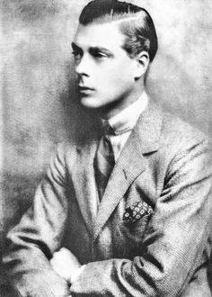 While still not yet the King of England, David Windsor was regarded in America as the undisputed King of Fashion. The yellow-haired heir to the throne, variously known as the Prince of Wales and later as the Duke of Windsor, visited the United States in 1924 and made front-page news.
