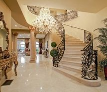 Rich houses on pinterest luxury mansions mansions and for Beautiful rich houses