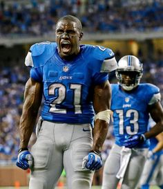 Detroit Lions running back Reggie Bush reacts after his 77-yard run to the one yard line against the Minnesota Vikings in Detroit. (Paul Sancya/AP)