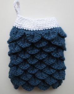 Crocheted Crocodile Stitch Oven Mitt  free pattern From myrecycledbags.com