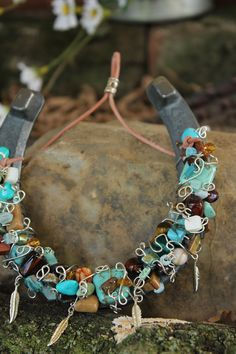 Beaded Horse Shoe This isn't suppose to be a craft, but it's my intention to make it one.  Love this Love this Love this -Beau