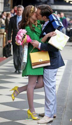 Chuck and Blair kiss on Gossip Girl set! - Crushable