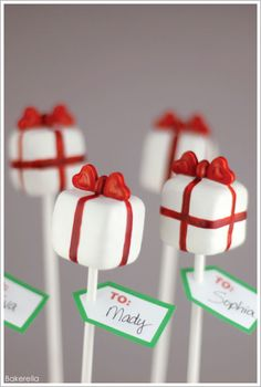 Pretty Present Cake Pops by Bakerella  |  TheCakeBlog.com gift boxes, idea, holiday cakes, food, gift cakes, cake pops, cakepop, cake pop recipes, christmas gifts