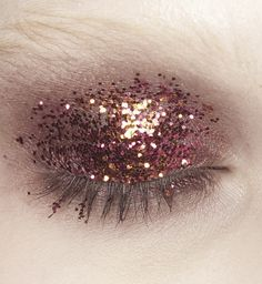#xmas #nye #new #years #eve #Christmas #stylish #beauty #make #up #style #hair #peach #cranberry #glitter