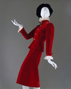 Coco Chanel suit ca. 1938 via The Costume Institute of the Metropolitan Museum of Art