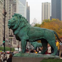Bronze lions at the Art Institute of Chicago.