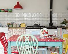Very funky Kitchen! Love the table and colors