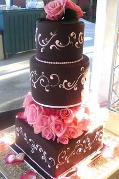 love the combination of chocolate brown and dark pink as a wedding color combination