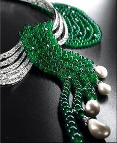 Van Cleef & Arpels Emerald and Pearl necklace