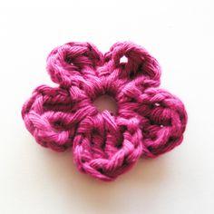 Free Flower Pattern. #crochet