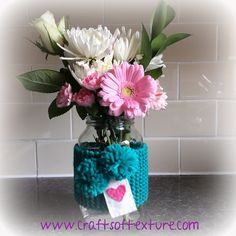 Love Heart Vase Cosy pattern by Sara's Texture Crafts