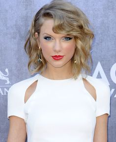Taylor Swift's ACM awards look