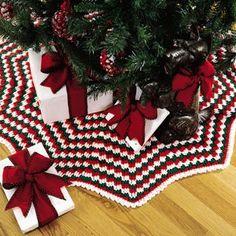 Christmas Pizzazz Tree Skirt Crochet Pattern