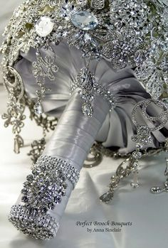 Impressive Diamond Brooch Wedding Bridal Bouquet